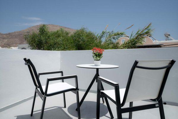 divelia-hotel-veranda