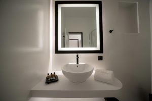 divelia-hotel-bathroom