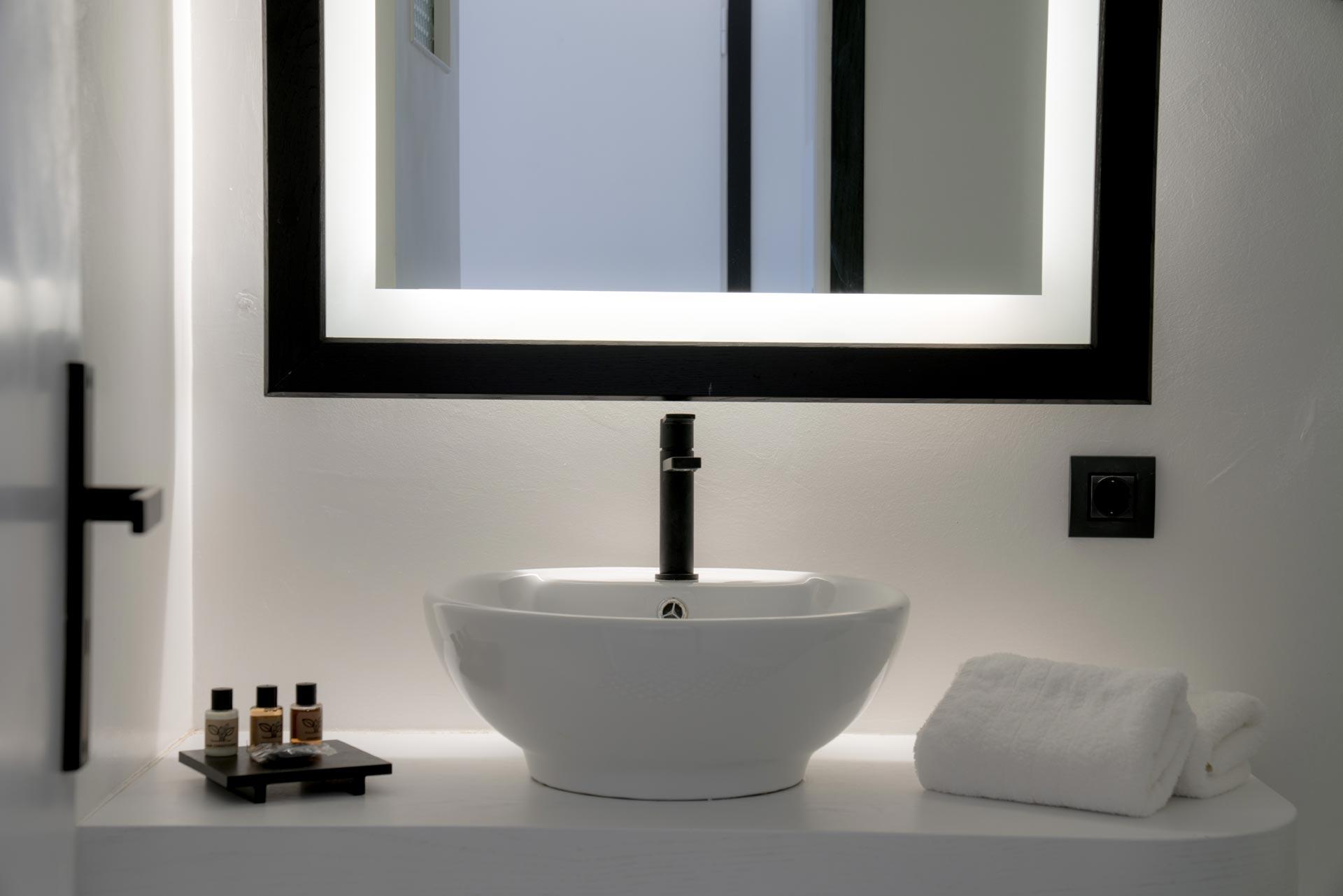 divelia-hotel-family-elite-bathroom